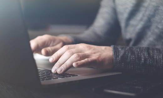 メール攻撃のタイプ: BEC(ビジネスメール詐欺) のページ写真 3