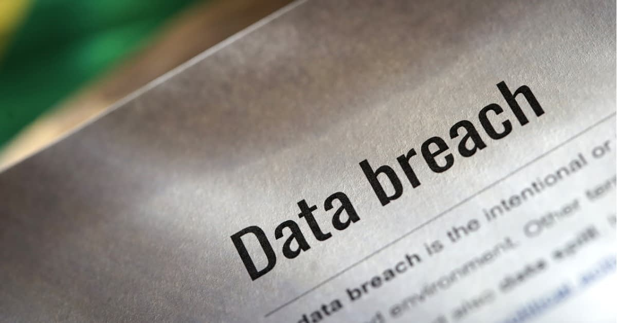 メール攻撃のタイプ: データ流出 のページ写真 1