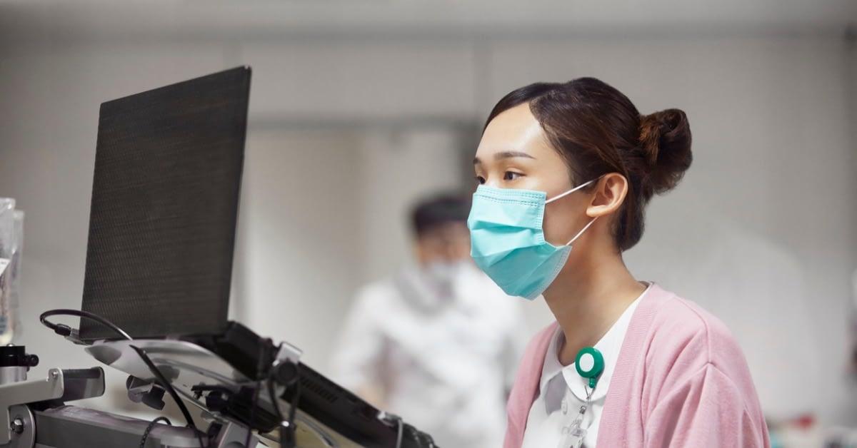 医療業界でインターネットに接続するデバイスを保護する のページ写真 1