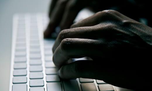 メール攻撃のタイプ: 脅迫メール のページ写真 4